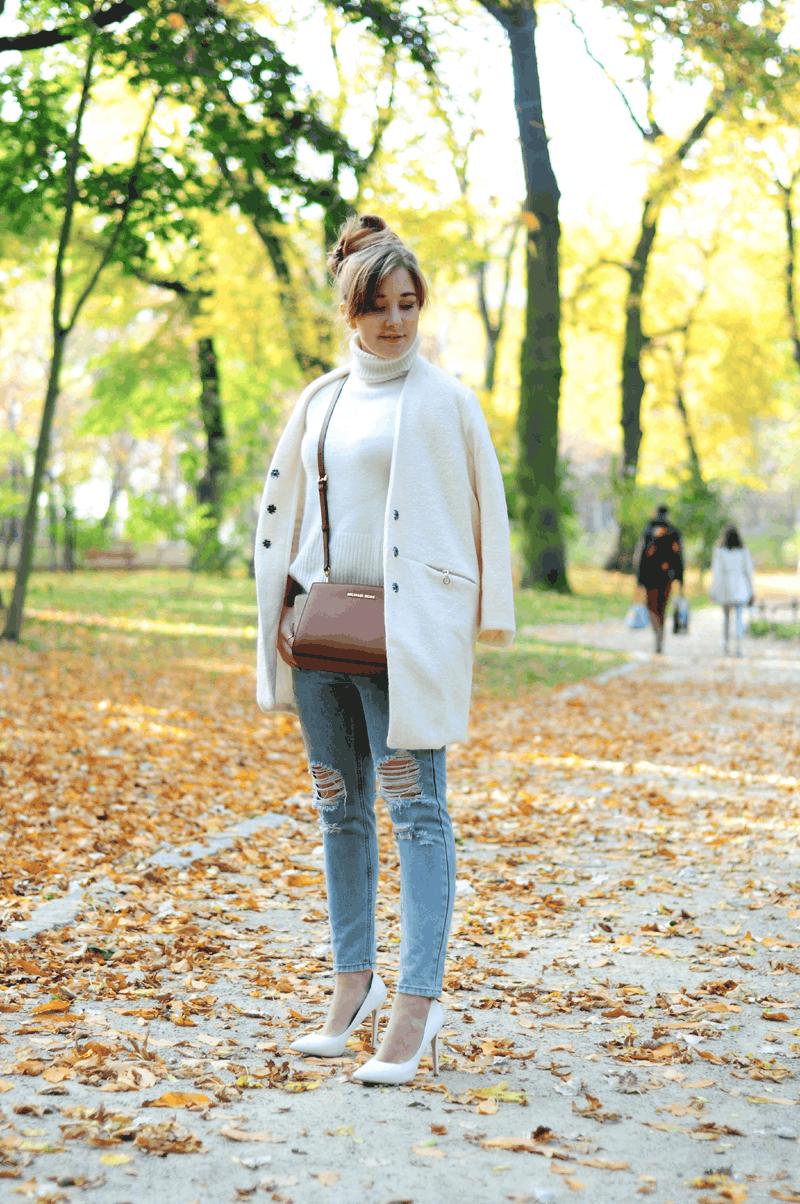 zestaw jasny płaszcz na jesień ecru beżowy outfit ootd