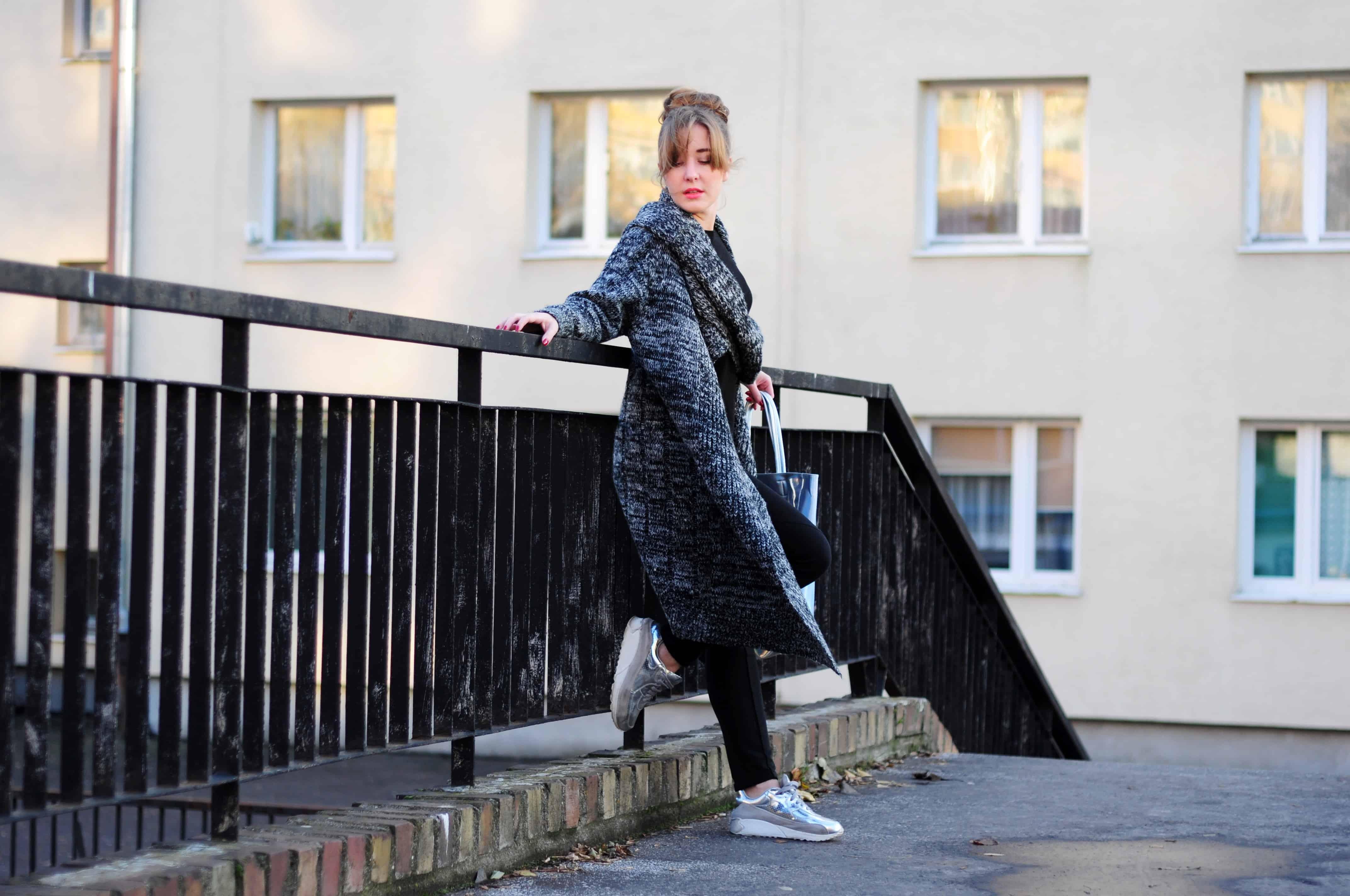 Gruby szary koc – alternatywa dla płaszczy na jesień 2014