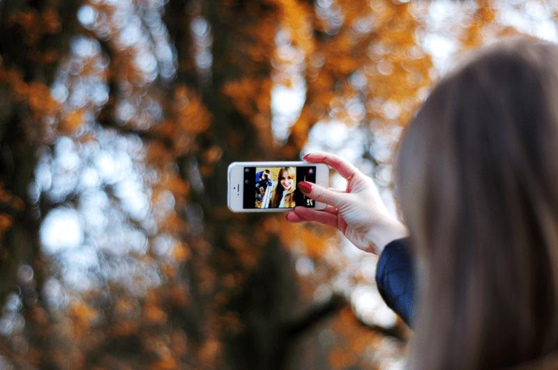 ipgone 5 biały selfie jesień