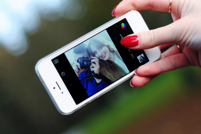 ipgone 5 biały selfie