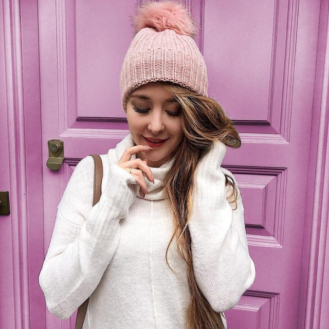 Oh these pastel doors in London  Spacer po Londyniehellip