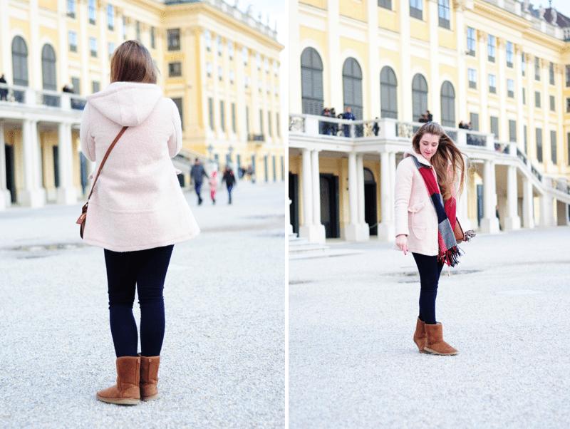 vienna schonbrunn różowy płaszczyk