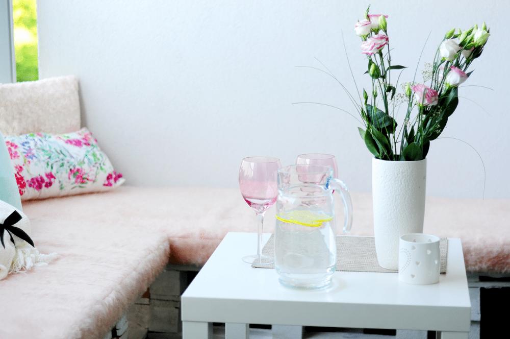balkon F&F ffhome poduchy stolik wazon rzeczy do domu