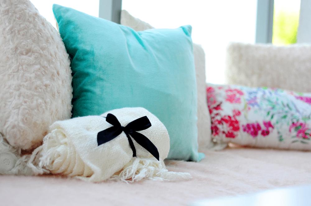 Mój idealny kącik – pastelowy balkon z palet | F&F home