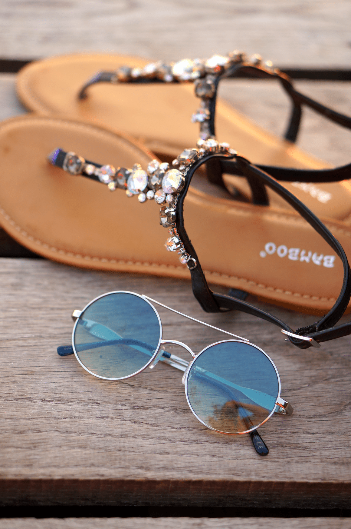 sandały z kryształkami okulary lustrzanki jezioro piaseczno