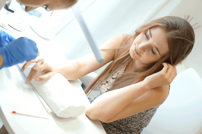 Fakty i mity o hybrydowym manicure