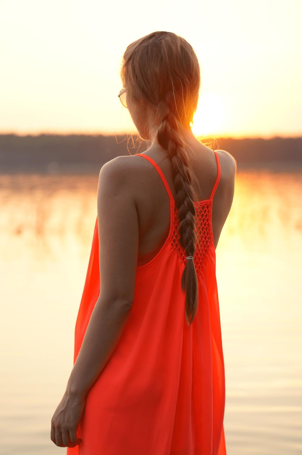 zachód słońca jezioro piaseczno neonowa sukienka romwe