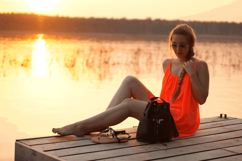 O neonowej sukience, a właściwie nie o niej