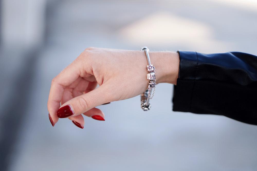 paznokcie opi hybrydy studio anna łączewska pearls of beauty bransoletka pandora