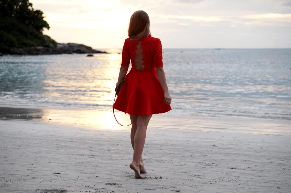 czerwona romantyczna sukienka bez pleców sheinside
