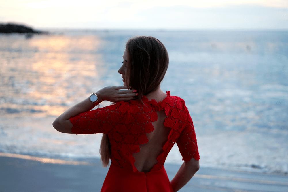 czerwona sukienka bez pleców sheinside
