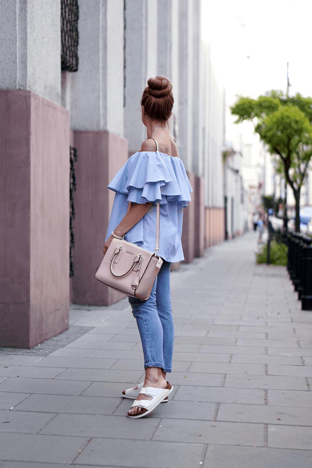 stylizacja-z-bluzka-hiszpanka-i-klapkami-birkenstock