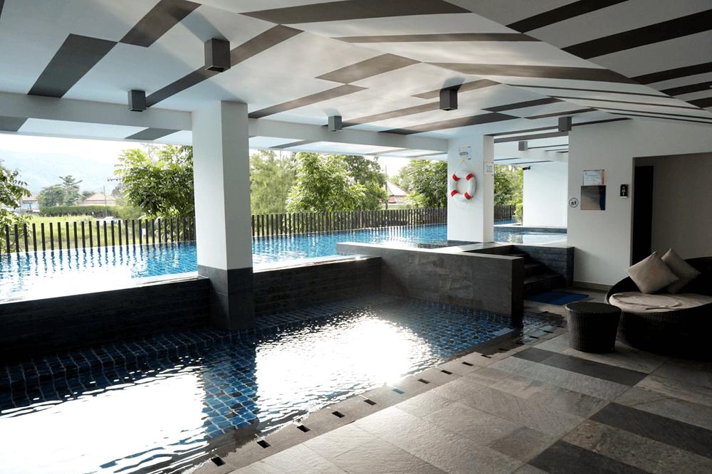 jakie-mieszkanie-mozna-wynajac-w-tajlandii-condo-z-basenem