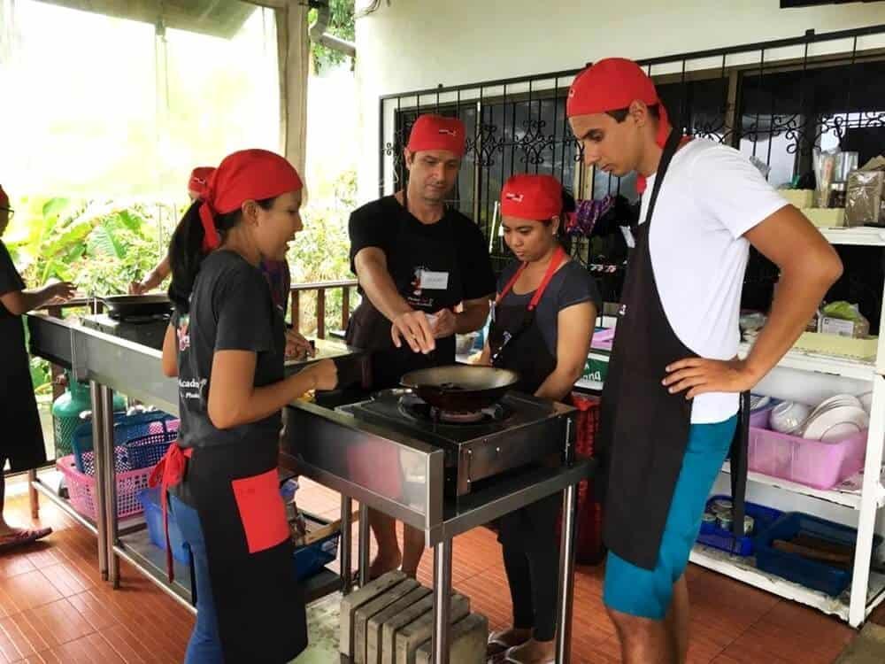 Azjatycki Czwartek #13 – kurs gotowania, boskie wyspy, błękitny meczet i różowe buty czyli ostatni tydzień!