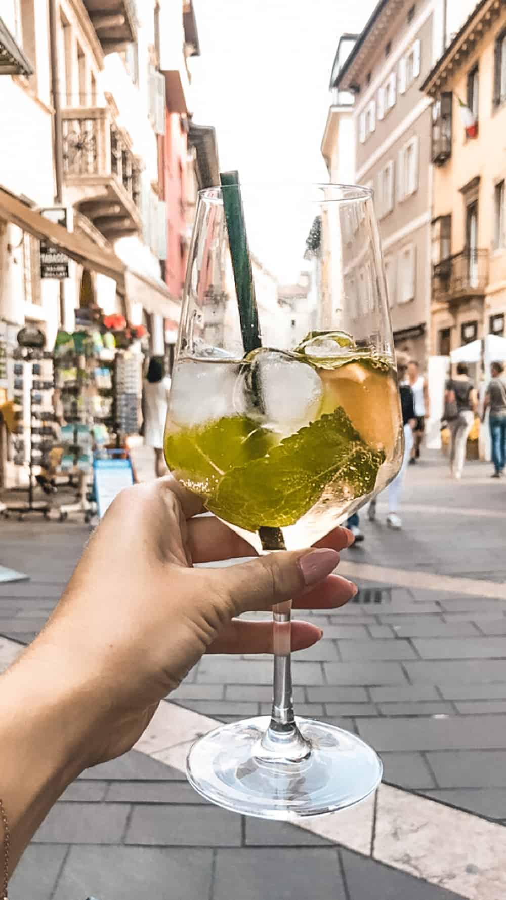 włoski drink Hugo